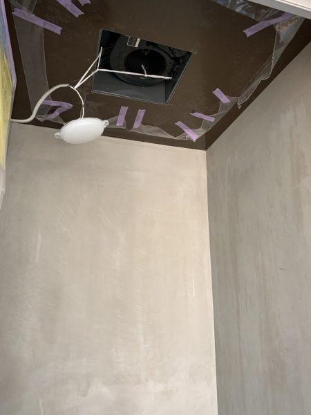 シャワー室のリボール防水下地ベニヤ。モルタル薄塗り原田左官施工