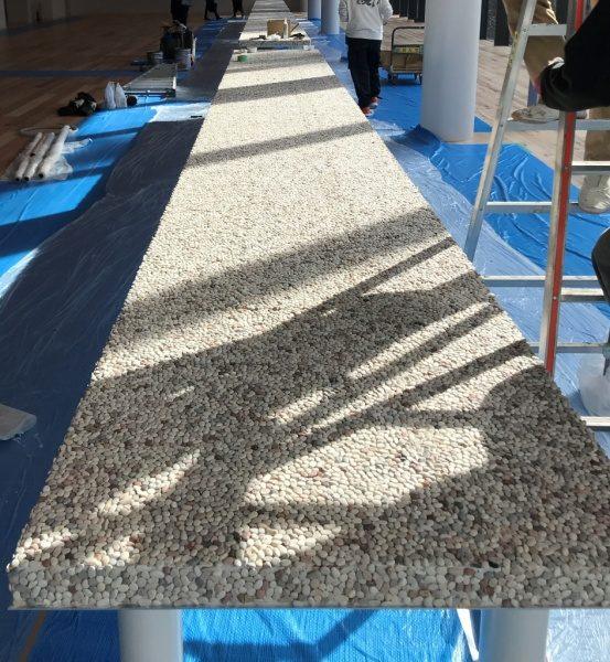 洗い出しシートテーブル天板。シート貼り付け施工工程完了状態