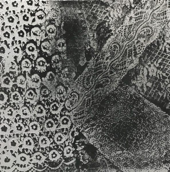 オルトレマテリア黒と銀色のレース仕上げサンプル見本板