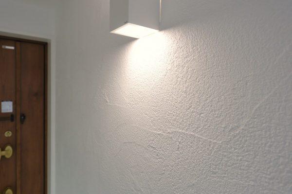 現代しっくい施工例。フルーフレ施工の壁