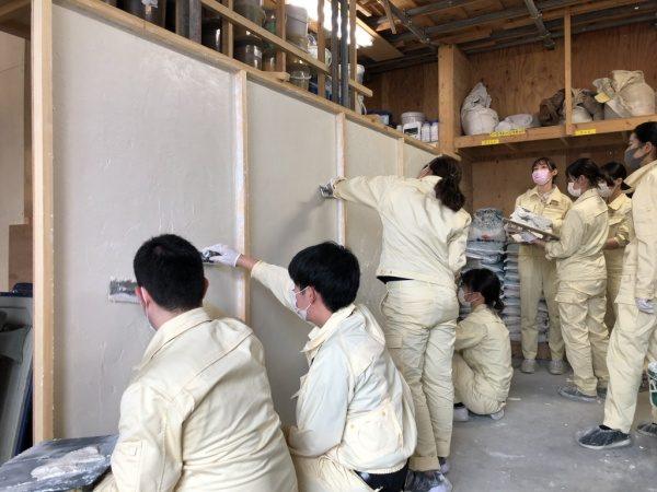 原田左官丹青社新人塗り壁体験