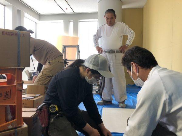 原田左官タイル職人の宇都宮さんと石田さんと松岡さん