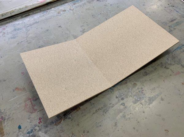 たわみ追従性試験に使用して割れた強度を上げていない木片ボード