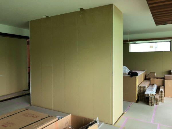 プラスターボード下地。塗り版築施工前の状態
