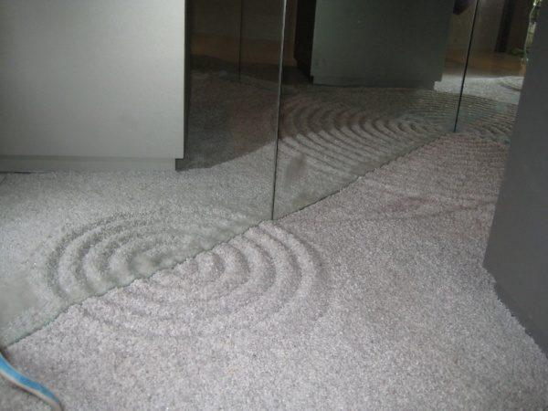 枯山水模様仕上げの床。原田左官施工