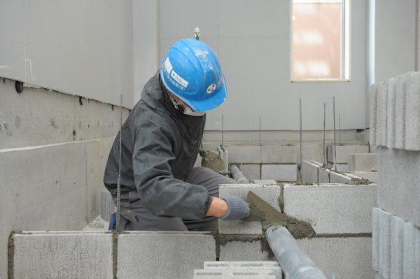 原田左官施工 厨房工事。コンクリートブロック積み