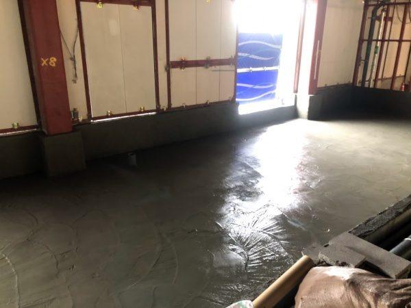 原田左官施工 厨房工事。水張試験後の保護モルタル