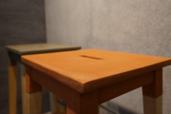 黄土の「風土~FUUDO~」で施工した椅子
