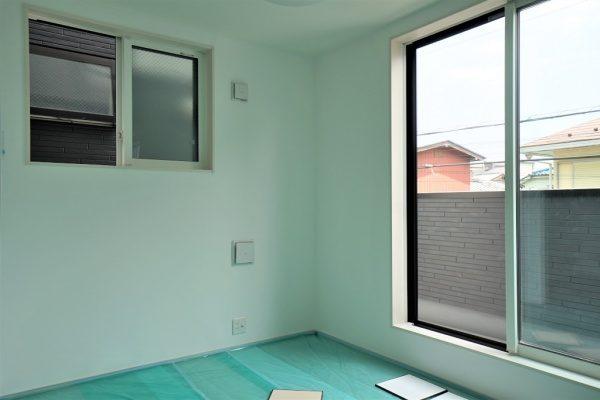 現代しっくいのフルーフレを施工した神奈川県の新築住宅の内壁。原田左官施工