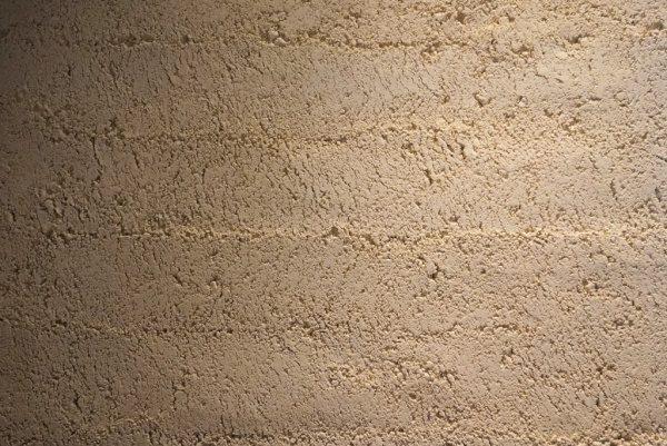 塗り版築仕上げ、琉球石灰岩使用。原田左官施工
