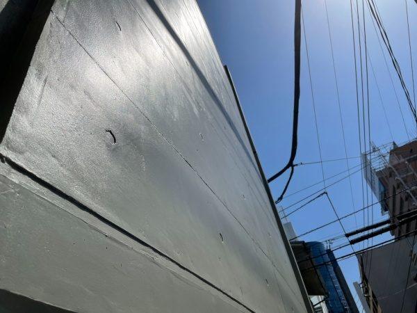 艶ありトップコートとコンクリート打ち放し風仕上げで施工したオフィス外壁。原田左官施工