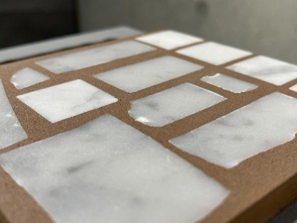 石と目地が同じ高さの真四角とランダムを混ぜた石張りサンプル