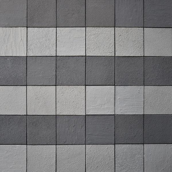 グレーとホワイト2色ミックスの和のタイル。色を横一列交互に並べた施工例