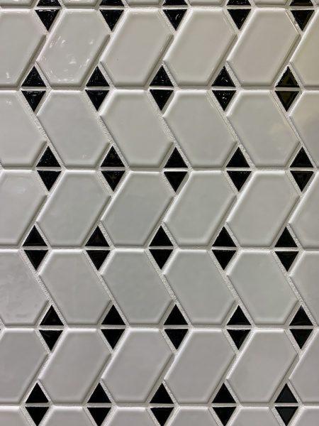 ビッグサイトのタイル工業会ブース壁面のモザイクタイル