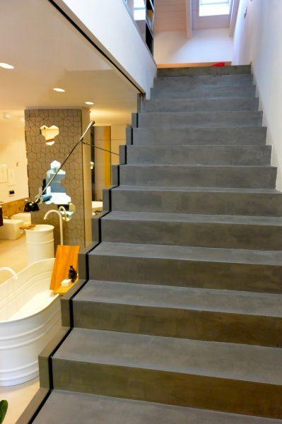 オルトレマテリア階段の施工例