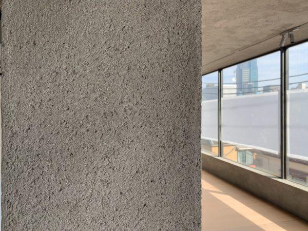 セメントリシン搔き落とし仕上げの柱